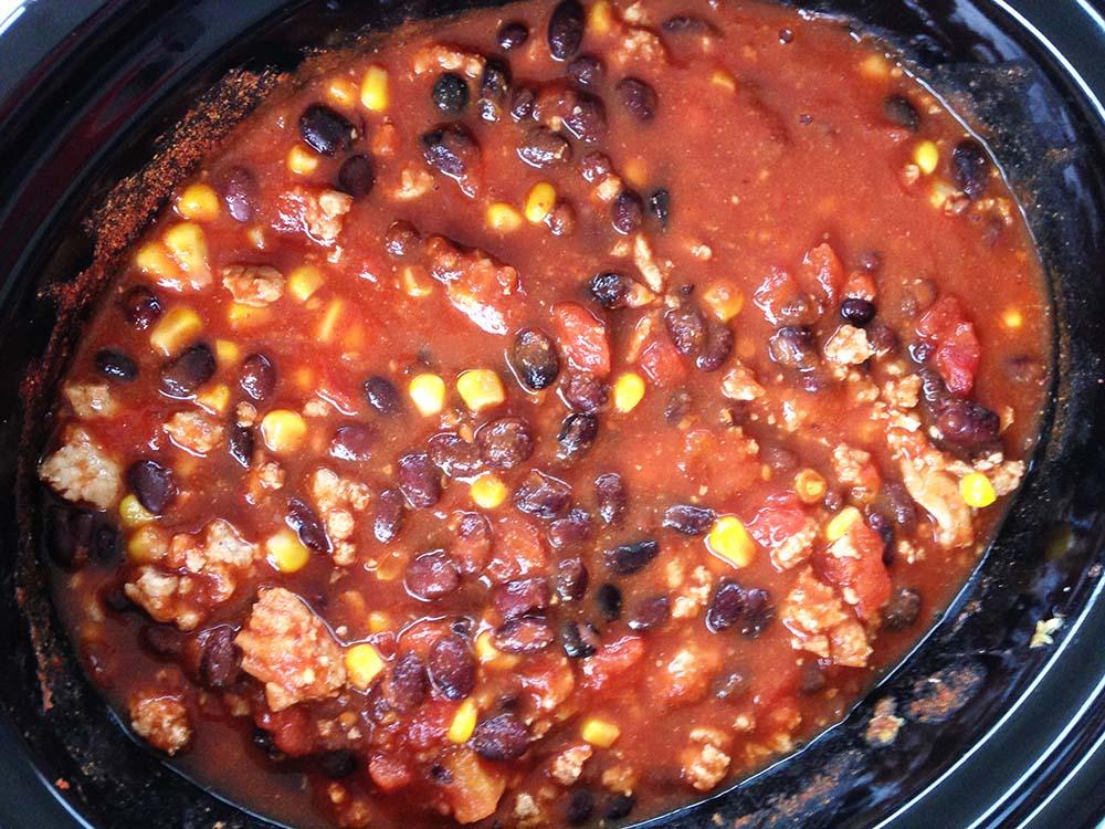 Slow cooker turkey black bean chili | New Leaf Wellness