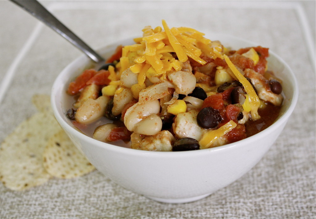 Freezer-to-slow cooker chicken chili from @kellymcnelis