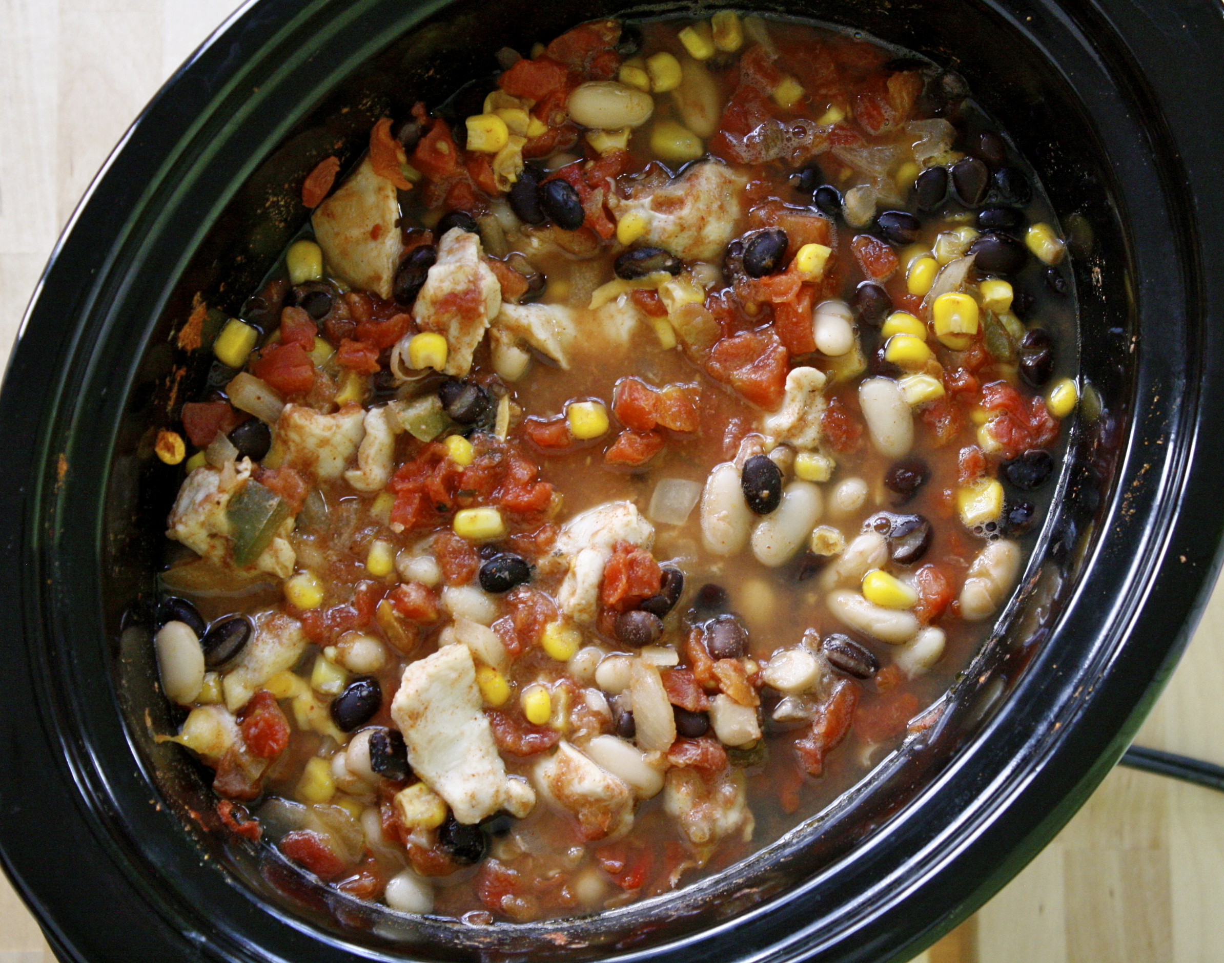 Freezer to slow cooker chicken chili new leaf wellness for Healthy crockpot recipes with chicken