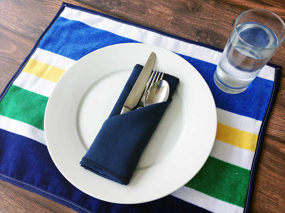 Placemat made from a beach towel