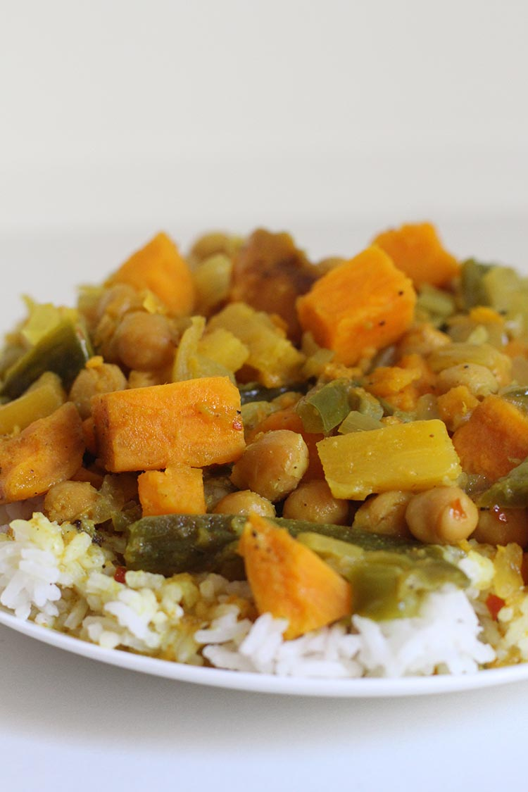 Freezer to Slow Cooker Thai Pineapple Curry