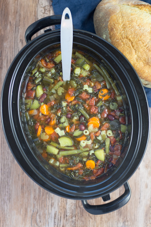 Healthy Crockpot Minestrone Soup