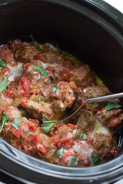 Crockpot Mozzarella-Stuffed Turkey Pesto Meatballs