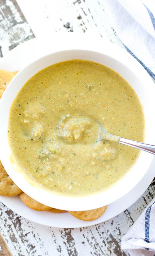 Easy and Healthy Crockpot Broccoli Cheddar Soup (Panera Copycat)